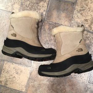 The North Face snow boots EXCELLENT condition ✨